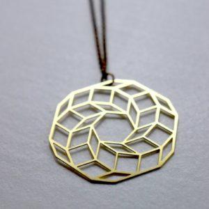Kette gelasert / Kreis aus Würfeln Messing