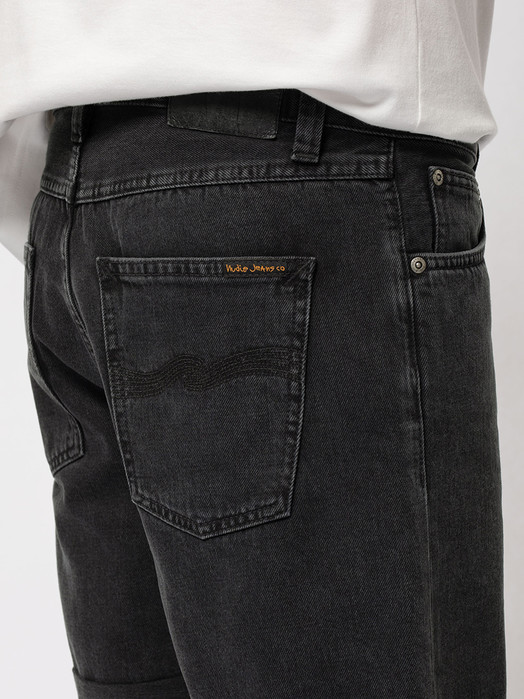 Nudie jeans Herren Shorts Josh Black Water